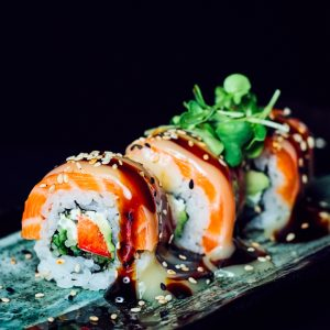 salmon-raw-roll